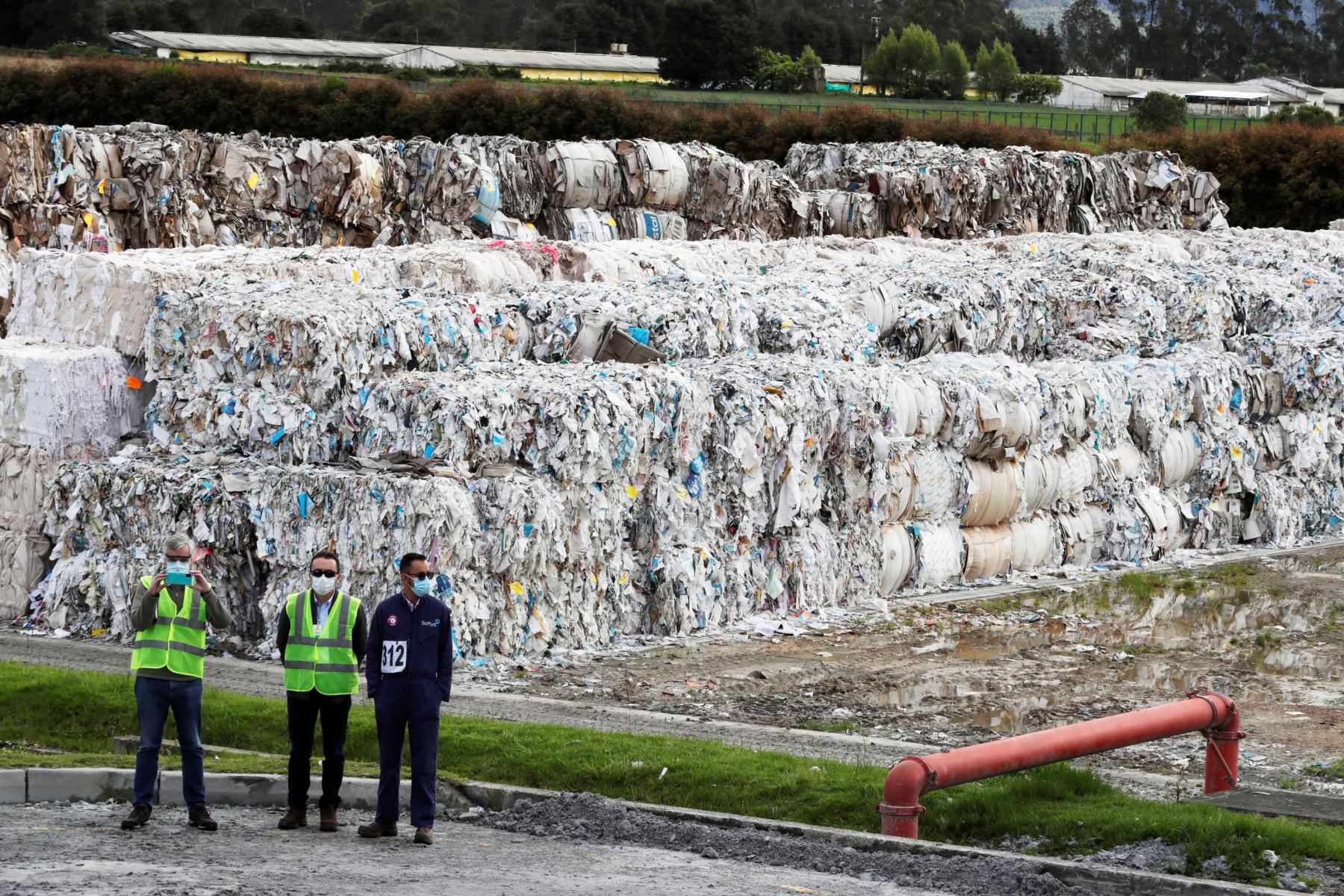 El aprovechamiento de residuos, modelo sostenible de una papelera en Colombia